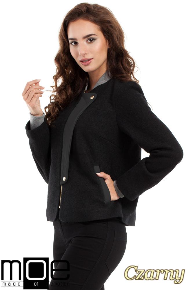 CM2462 Wełniana kurtka zapinana na napy - czarna