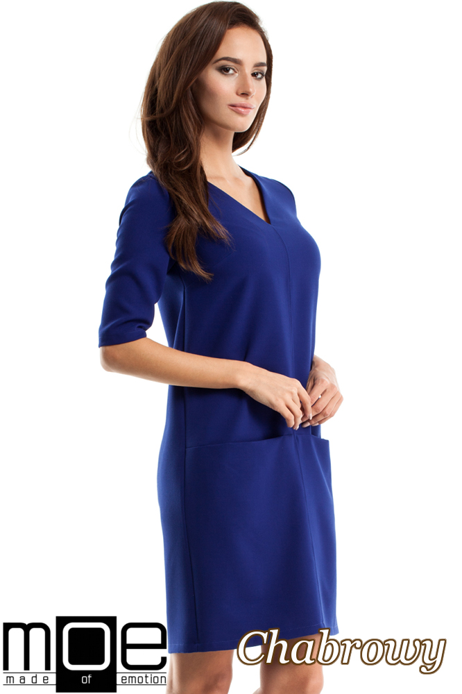 CM2561 Prosta sukienka z kieszeniami z przodu - chabrowa