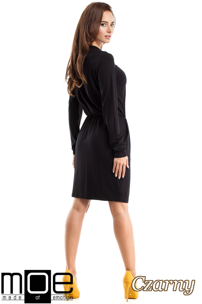 CM2563 Sukienka z marszczeniami i wiązanym dekoltem - czarna