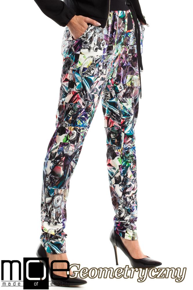 CM2577 Luźne kolorowe spodnie rurki - geometryczny