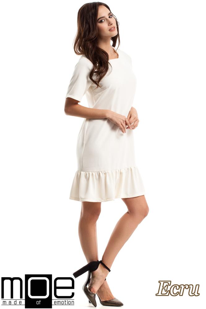 CM2688 Wygodna sukienka z falbanką - ecru