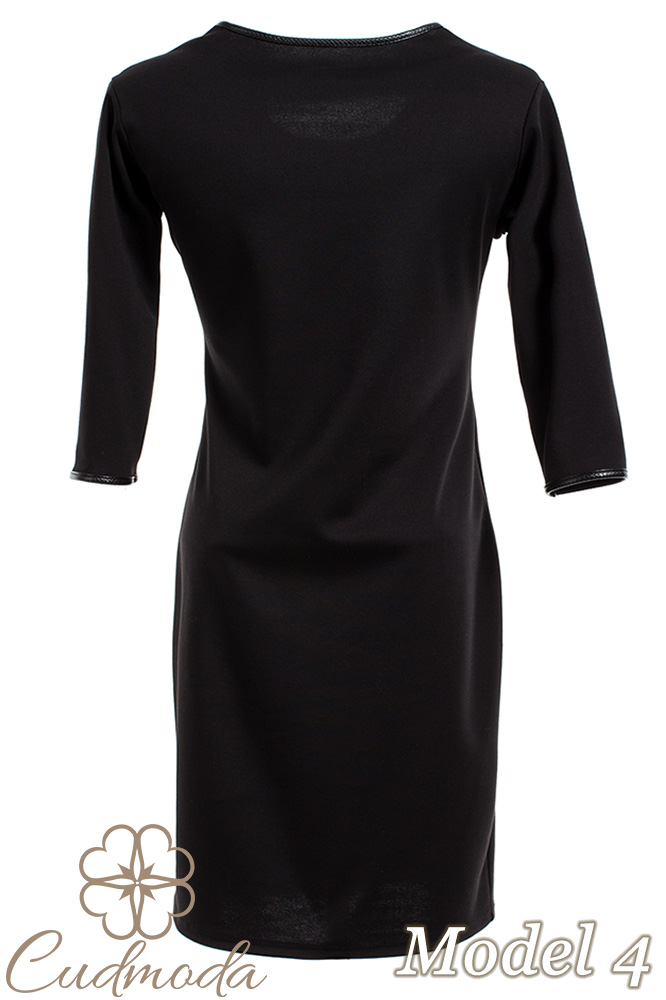 CM2709 Ołówkowa sukienka z motywem - model 4