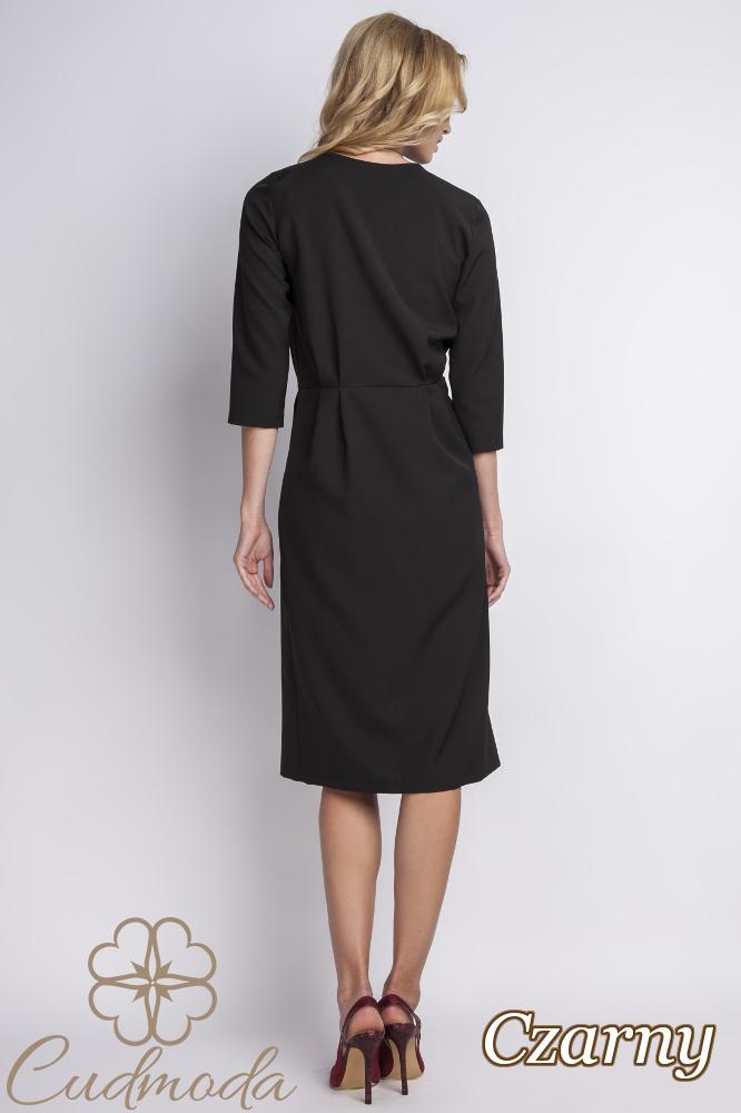 CM2767 Odcinana sukienka z V-dekoltem - czarna