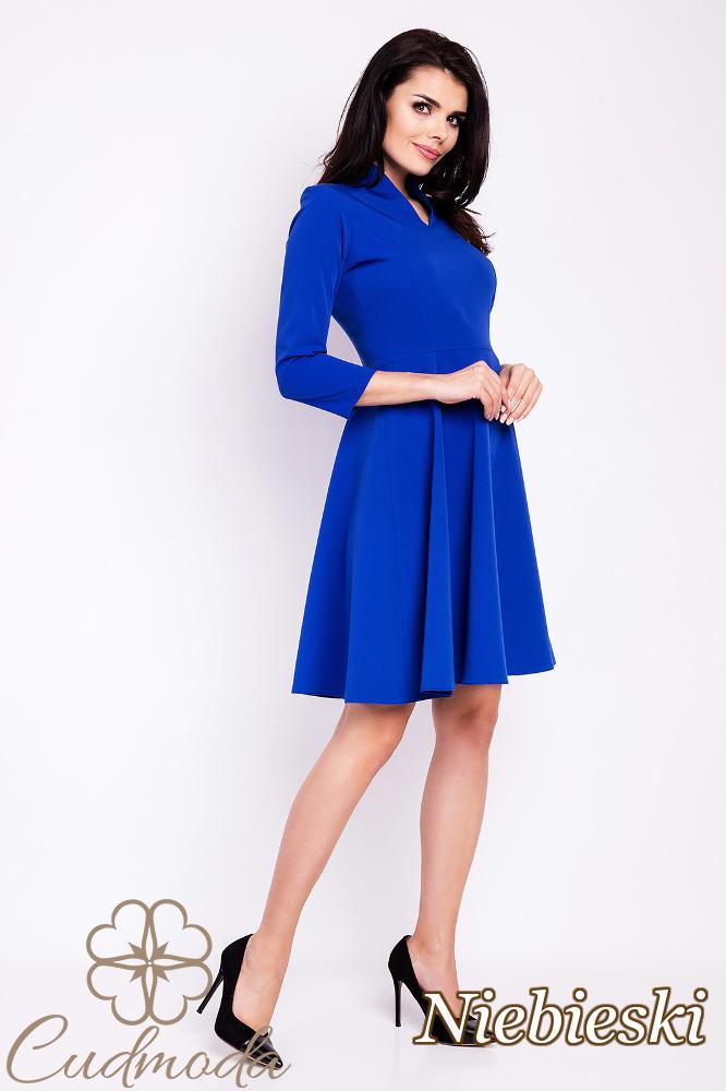 CM2814 Rozkloszowana sukienka biurowa - niebieska