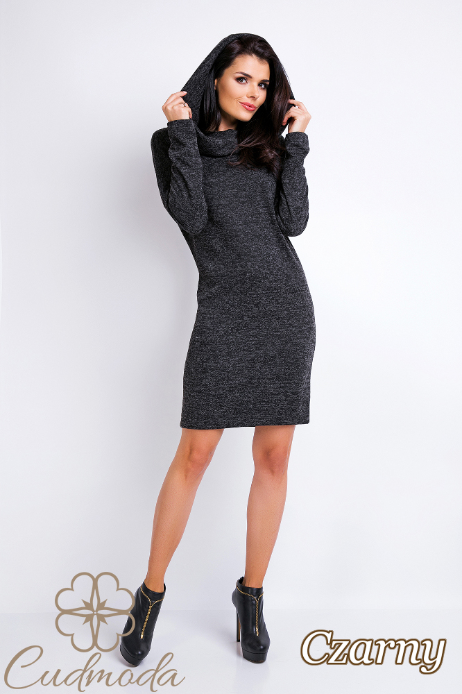 CM2822 Dzianinowa sukienka sportowa z kapturem - czarna