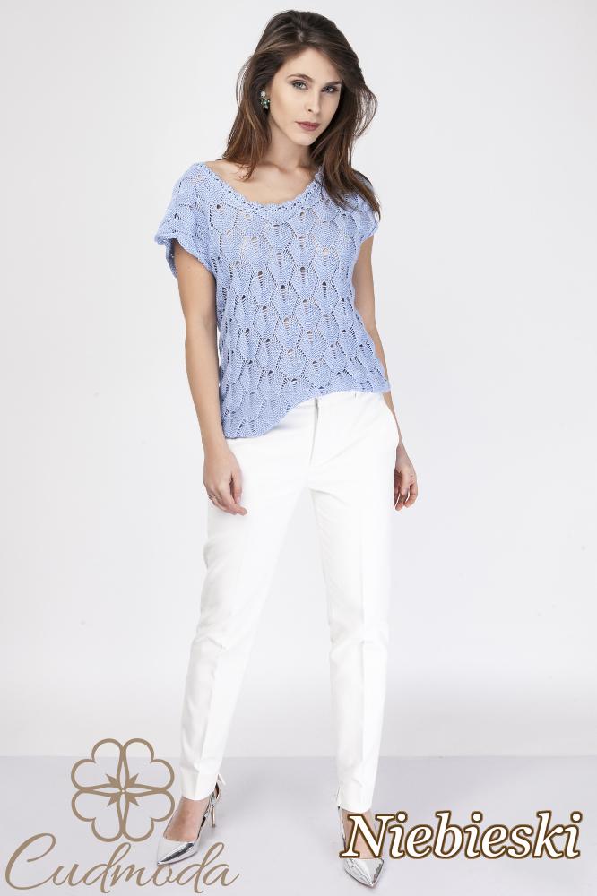 CM2889 Ażurowa bluzka damska z krótkim rękawem - niebieska