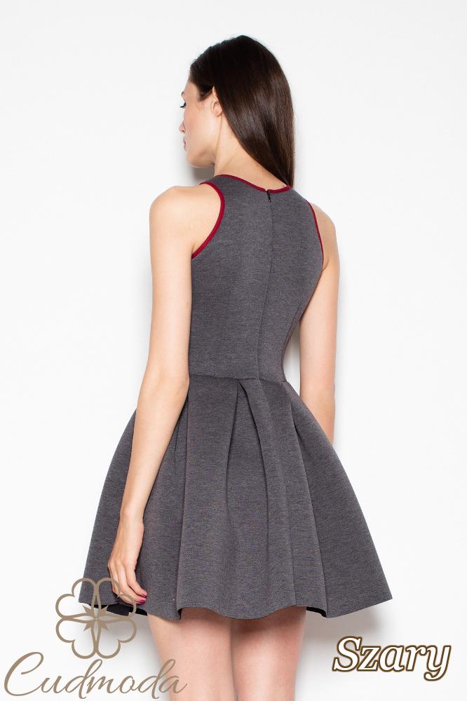 CM2973 Szykowna sukienka rozkloszowana na ramiączkach - szara