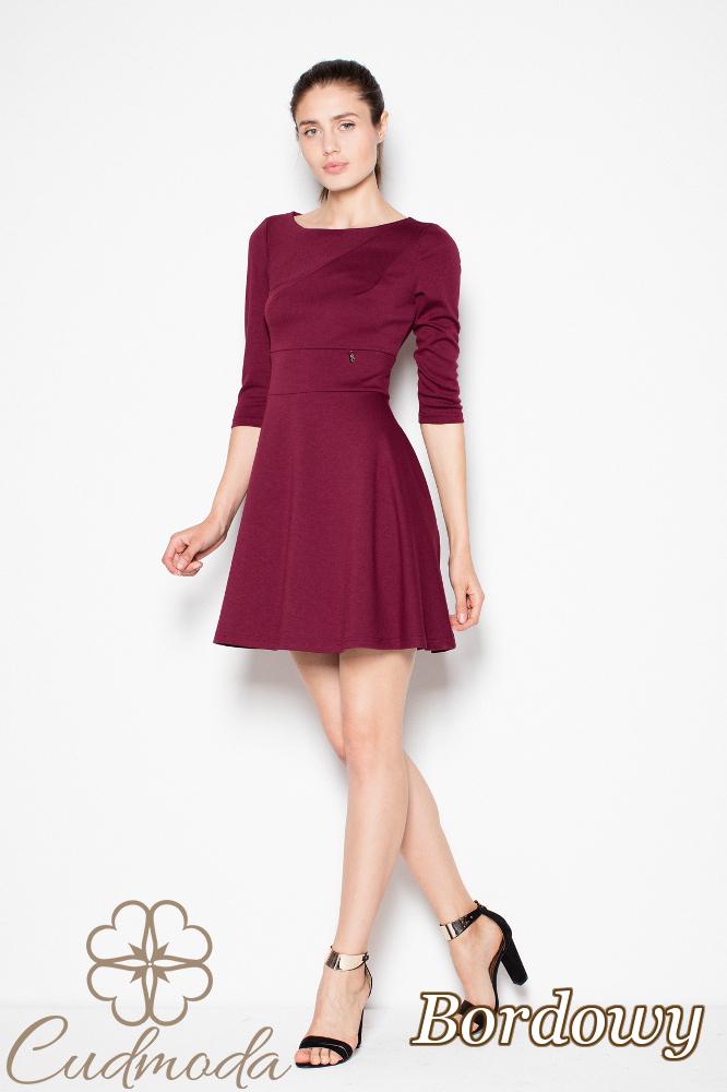 CM2982 Stylowa sukienka z rozkloszowanym dołem - bordowa