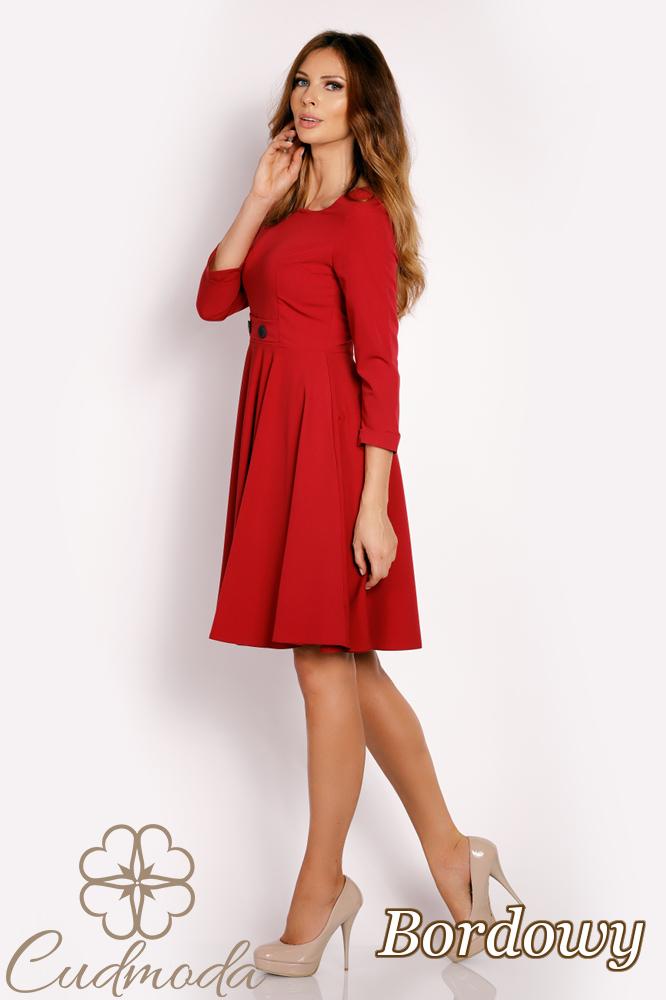 CM3015 Rozkloszowana sukienka z guzikami - bordowa