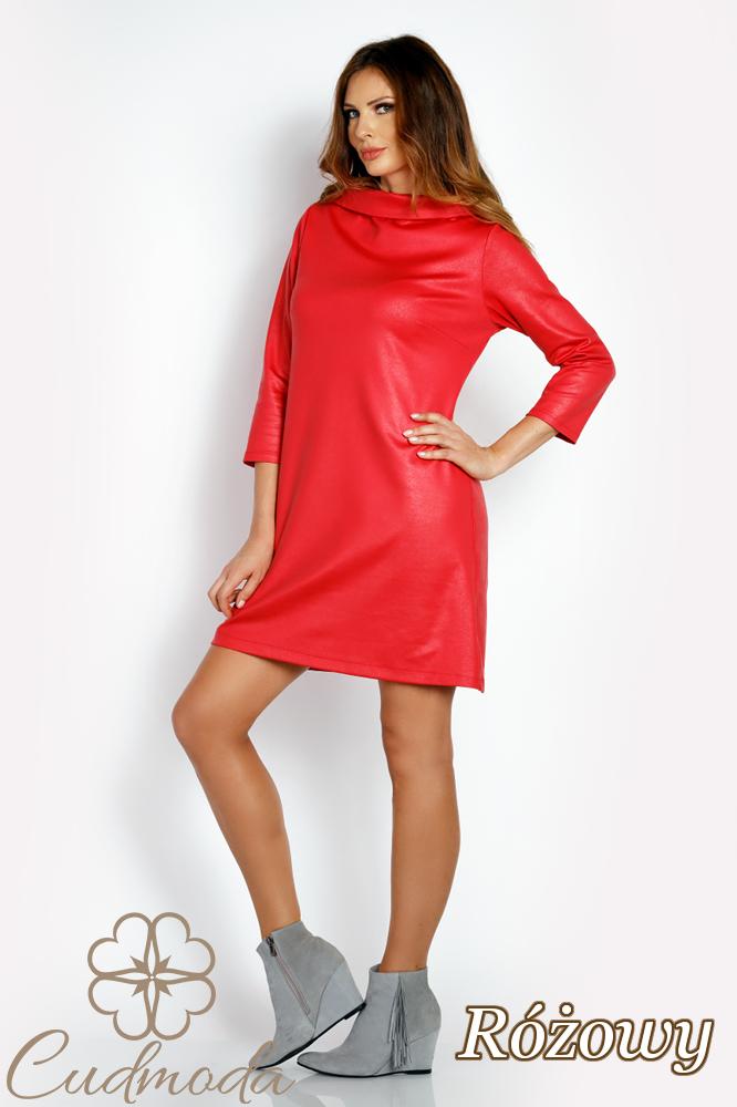 CM3018 Klasyczna sukienka trapezowa - różowa