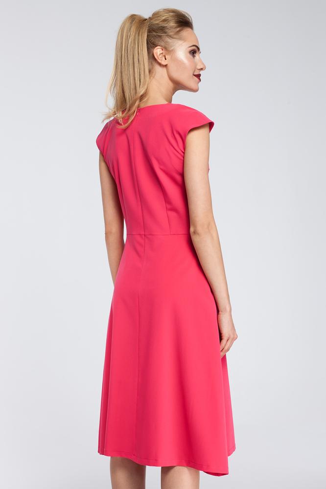 CM2920 Dopasowana sukienka kontrafałda - różowa