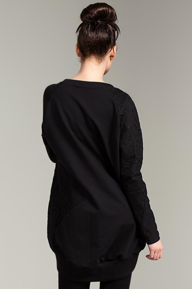 CM2868 Bawełniana bluzka z koronkowymi wstawkami - czarna