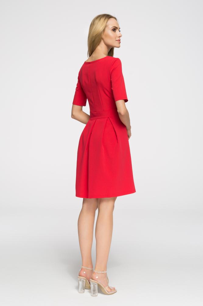 CM2652 Biurowa sukienka w kontrafałdy - czerwona