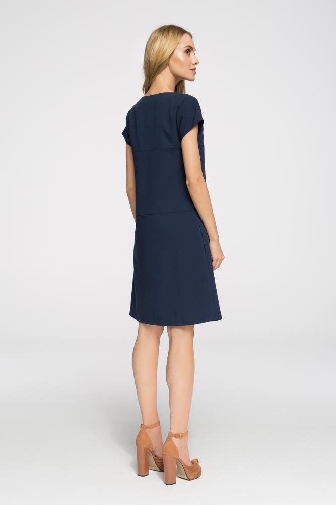 CM2669 Stylowa sukienka o nowoczesnym kroju - granatowa