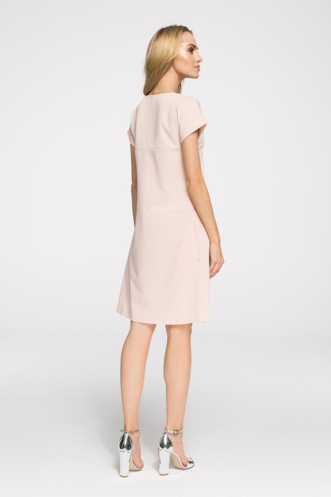 CM2669 Stylowa sukienka o nowoczesnym kroju - pudrowa