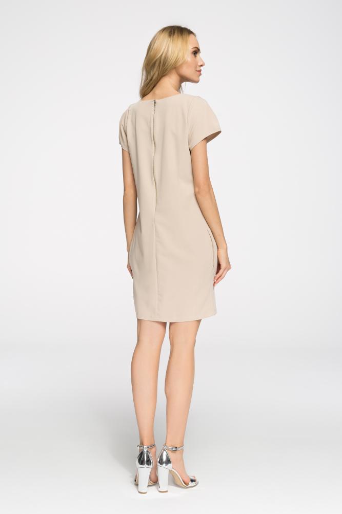 CM2672 Ołówkowa sukienka z marszczeniami - beżowa