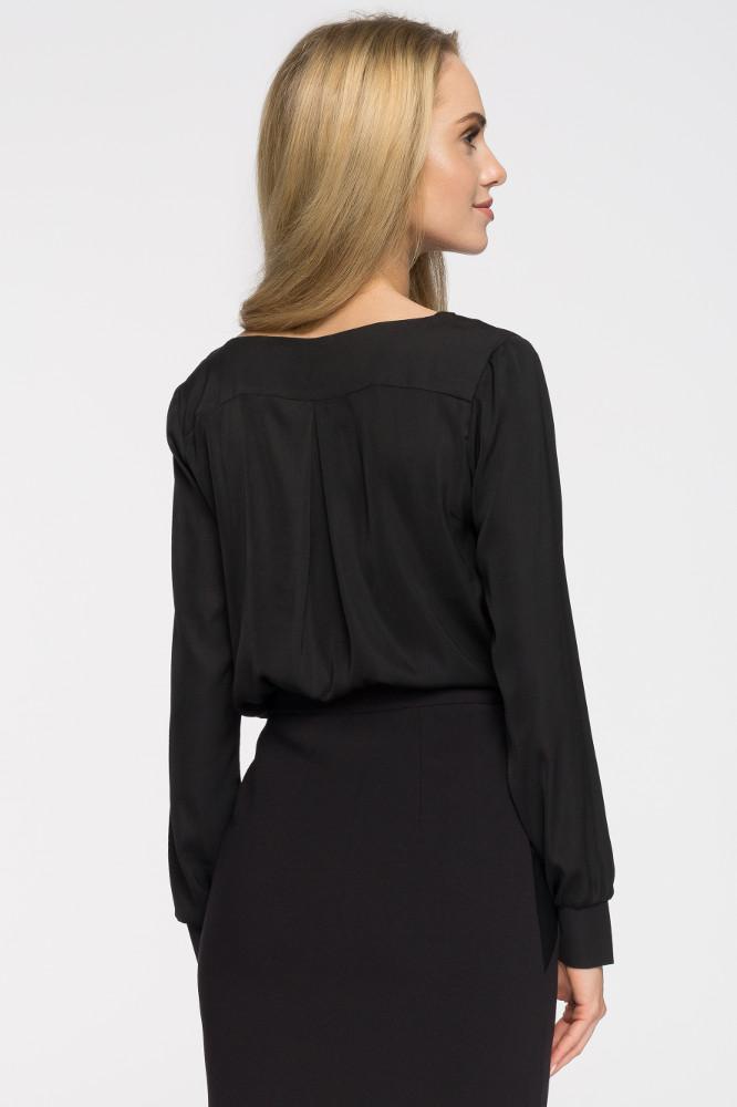 CM2712 Zwiewna bluzka z dekoltem karo - czarna