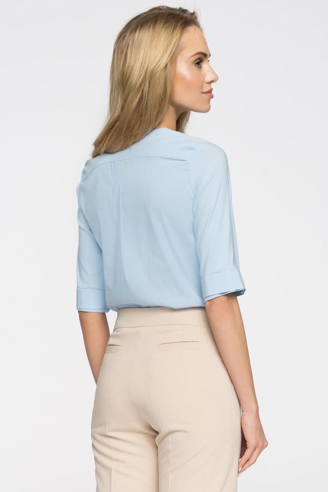CM2716 Gładka bluzka z głębokim dekoltem - błękitna