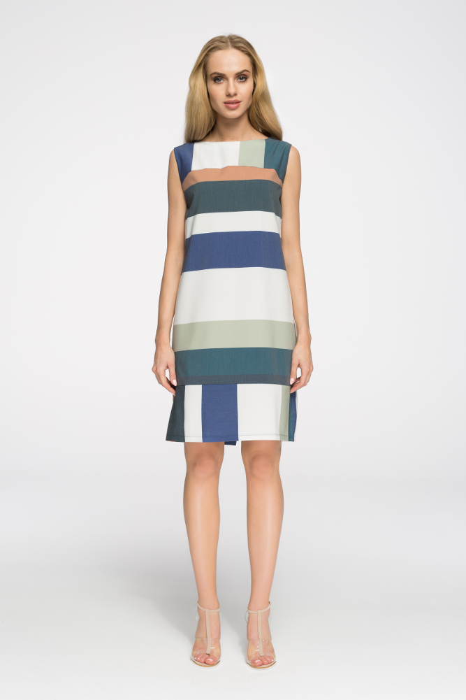 CM2720 Ołówkowa sukienka bez rękawów w motyw - model 1