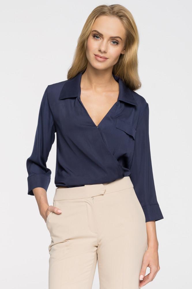 CM2690 Elegancka bluzka koszulowa z głębokim dekoltem - granatowa
