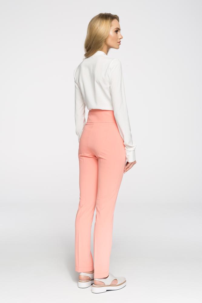 CM2896 Klasyczne taliowane spodnie z ozdobnymi guzikami - łososiowe OUTLET
