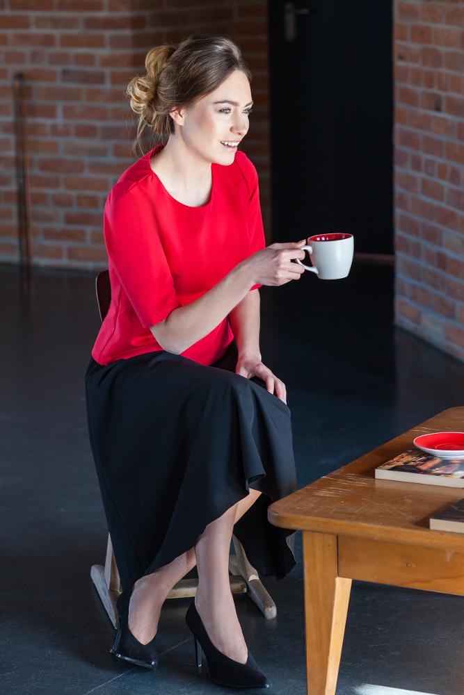 CM2706 Elegancka gładka bluzka - czerwona