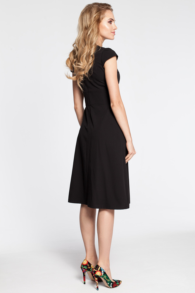 CM3043 Sukienka z szerokim paskiem - czarna
