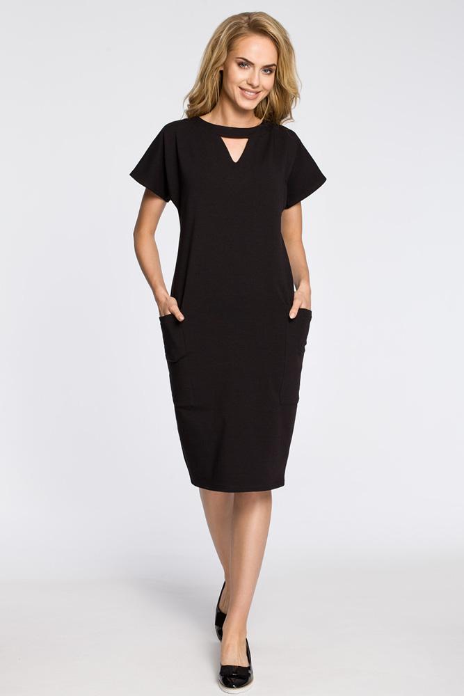 CM3048 Ołówkowa sukienka z ozdobną stójką - czarna