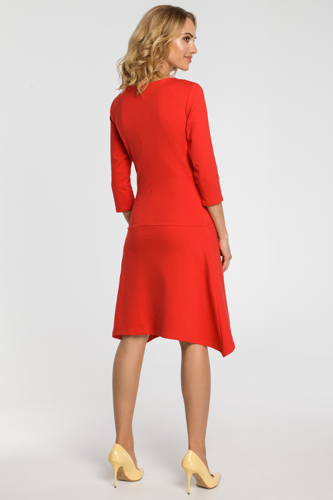 CM3107 Asymetryczna sukienka z obniżoną talią - czerwona