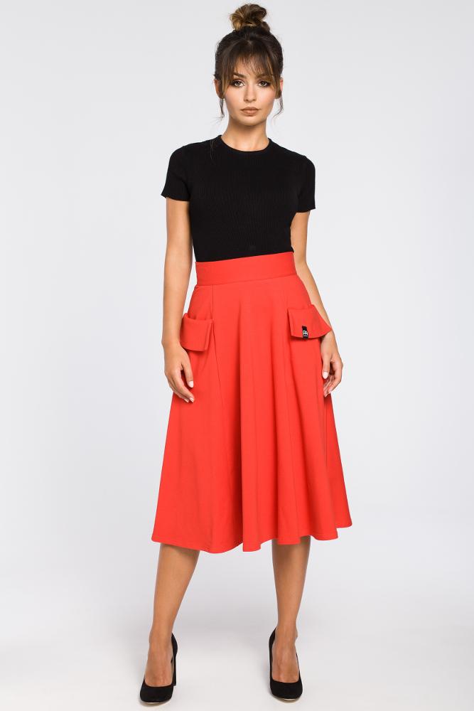8e15e10cc5 CM3184 Rozkloszowana spódnica midi z kieszeniami - czerwona ...