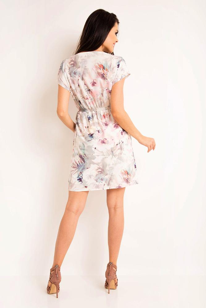 CM3195 Nowoczesna sukienka z szerokimi rękawami - jasne kwiaty