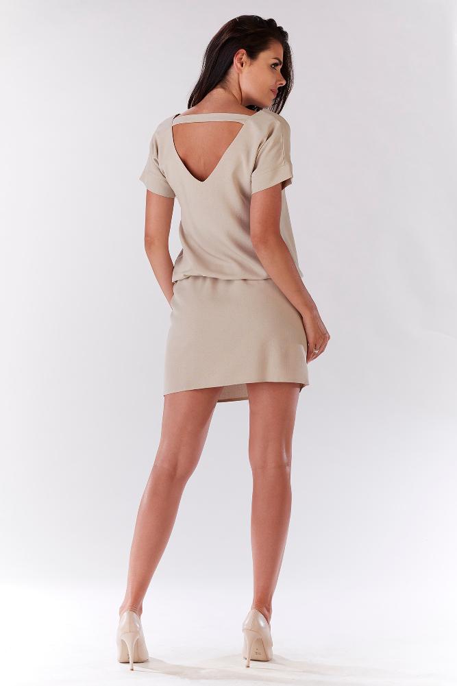 CM3207 Wygodna sukienka mini z krótkim rękawem - beżowa