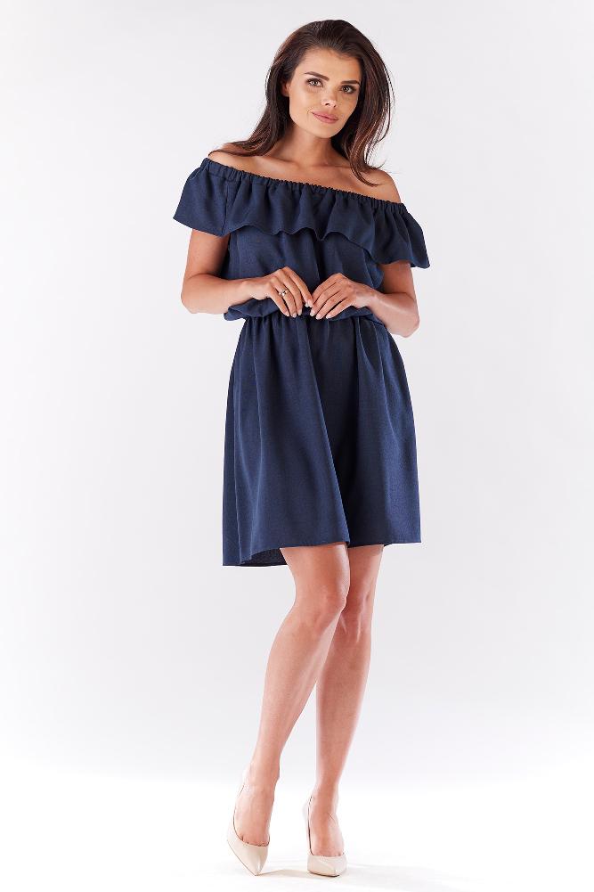 72a4aa7453 CM3214 Elegancka sukienka z falbaną odsłaniającą ramiona - granatowa ...
