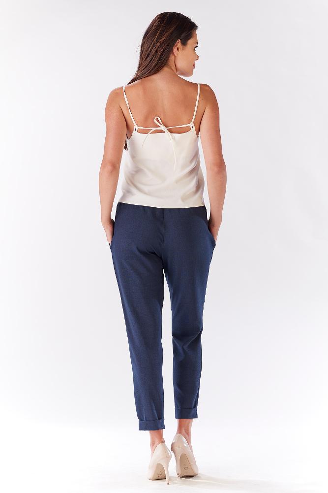 CM3215 Stylowe spodnie damskie z kieszeniami - granatowe