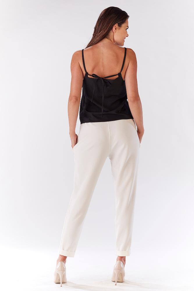 CM3215 Stylowe spodnie damskie z kieszeniami - ecru