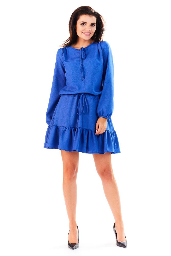 CM3285 Wygodna sukienka z długim rękawem i falbanką - niebieska