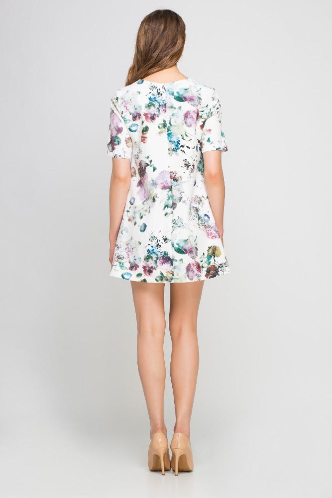 CM3360 Zwiewna sukienka w kwiaty