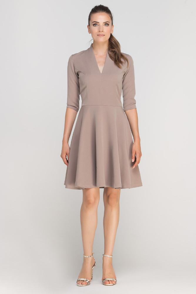 CM3363 Elegancka rozkloszowana sukienka z dekoltem - beżowa