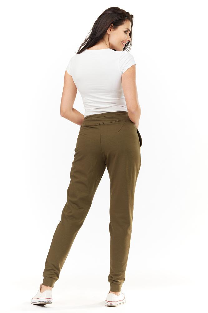 CM3488 Dresowe spodnie damskie z kieszeniami - oliwkowe