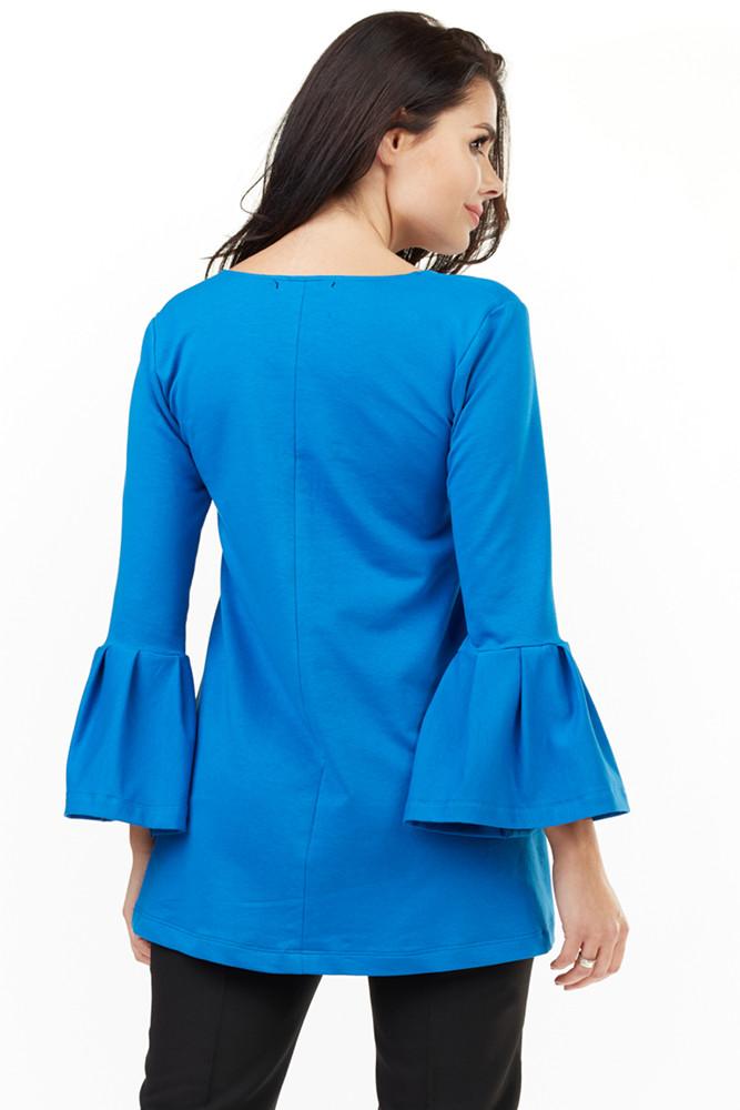 CM3493 Zwiewna bluzka damska z falbaną przy rękawach - niebieska