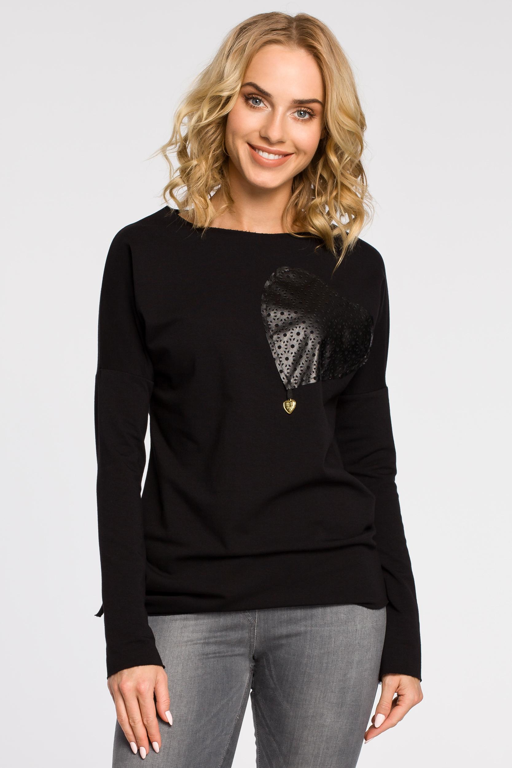 CM0340 Bluza damska dresowa z ozdobny sercem - czarna