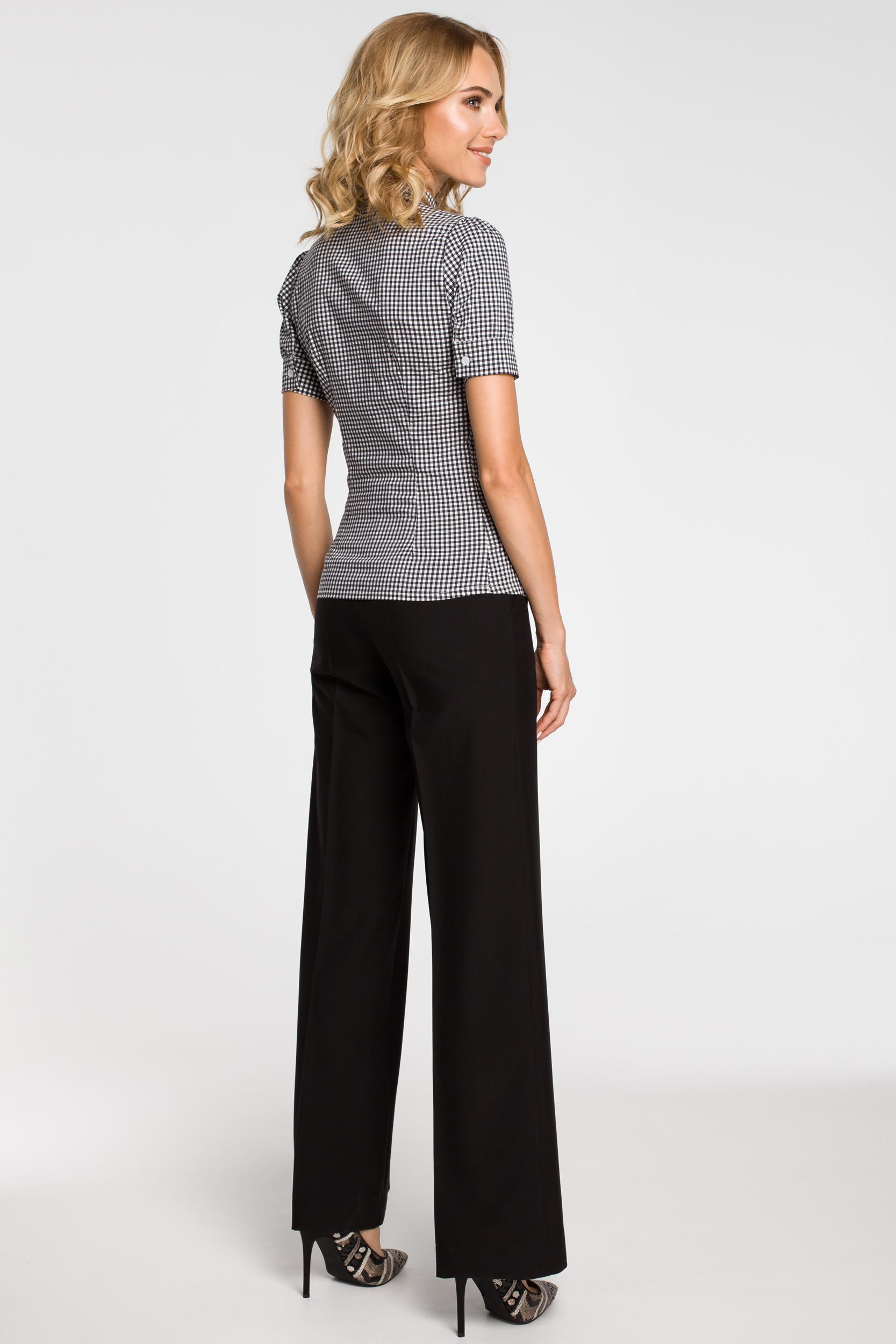 CM0786 Koszula damska w kratkę z kokardą i krótkim rękawem - czarna