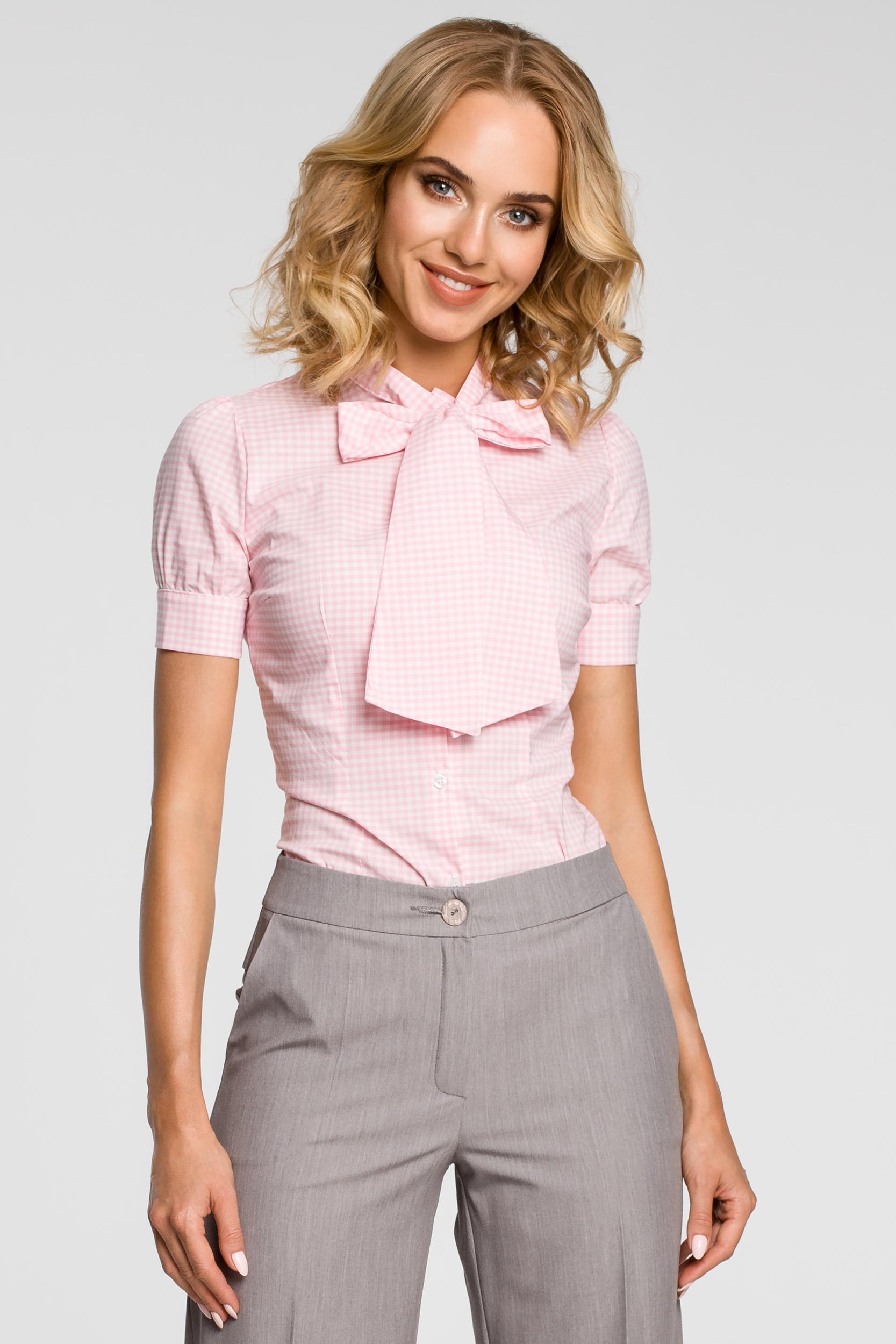 e82657b8d4b9bd CM0786 Koszula damska w kratkę z kokardą i krótkim rękawem - różowa ...