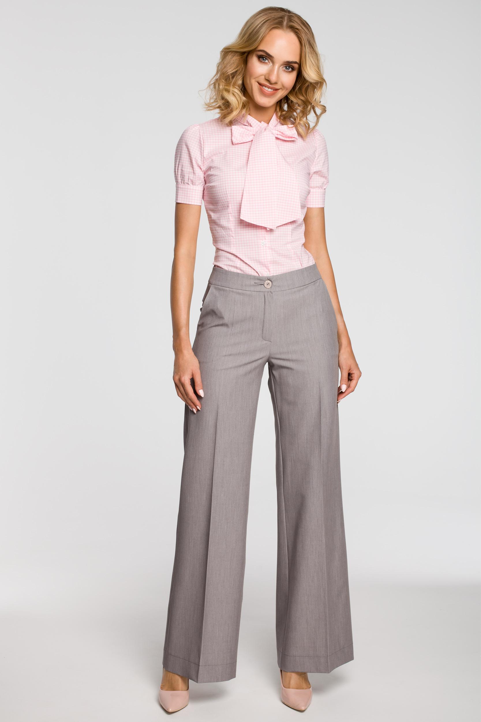 1c853b8ff01d4c ... CM0786 Koszula damska w kratkę z kokardą i krótkim rękawem - różowa ...