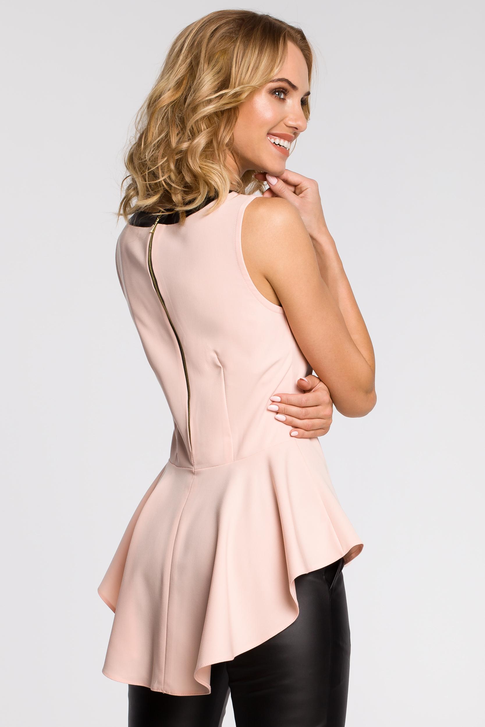 CM0791 Elegancka bluzka damska z tiulową wstawką i asymetrycznym tyłem - pudrowa