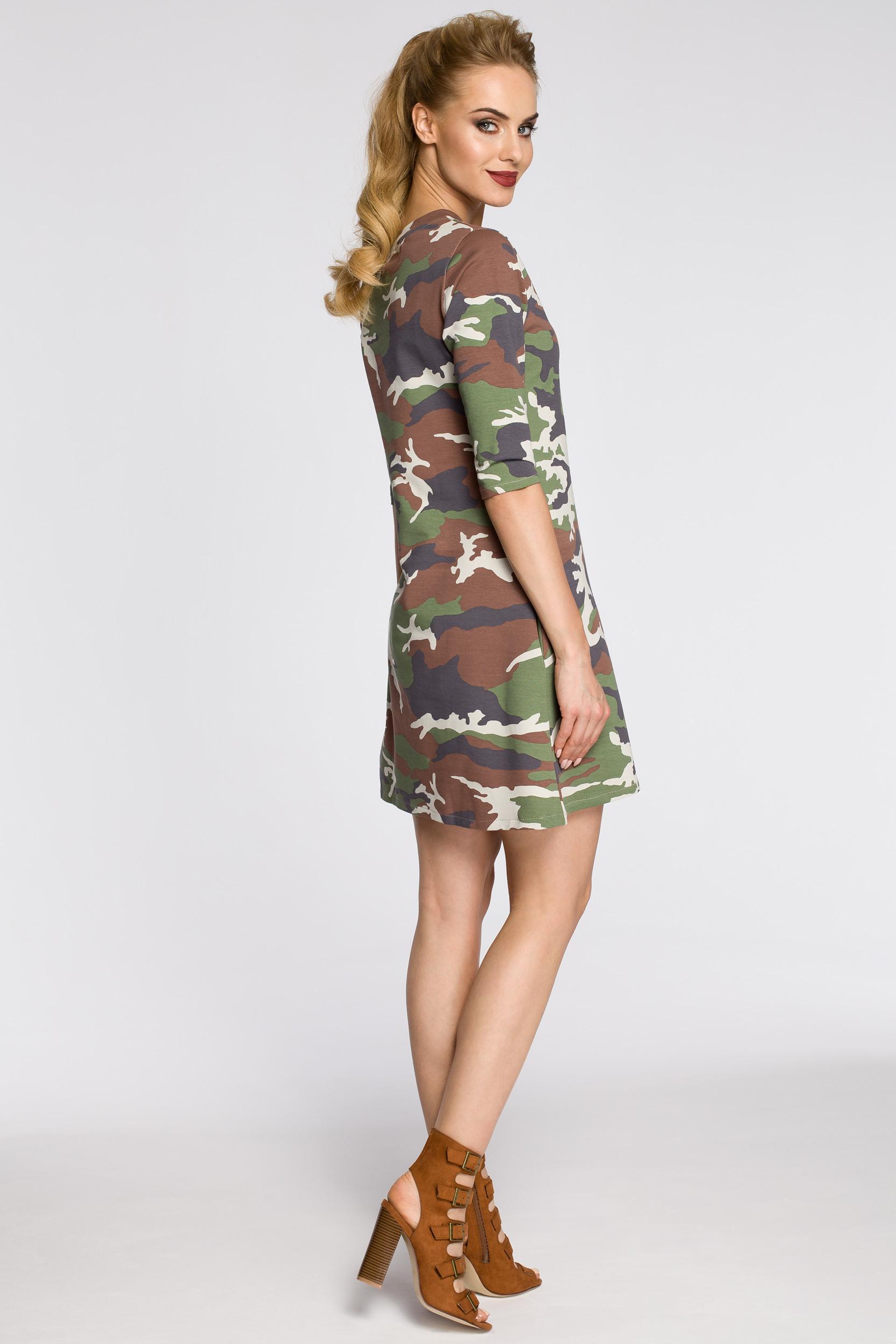 CM2451 Dresowa sukienka moro - model 1
