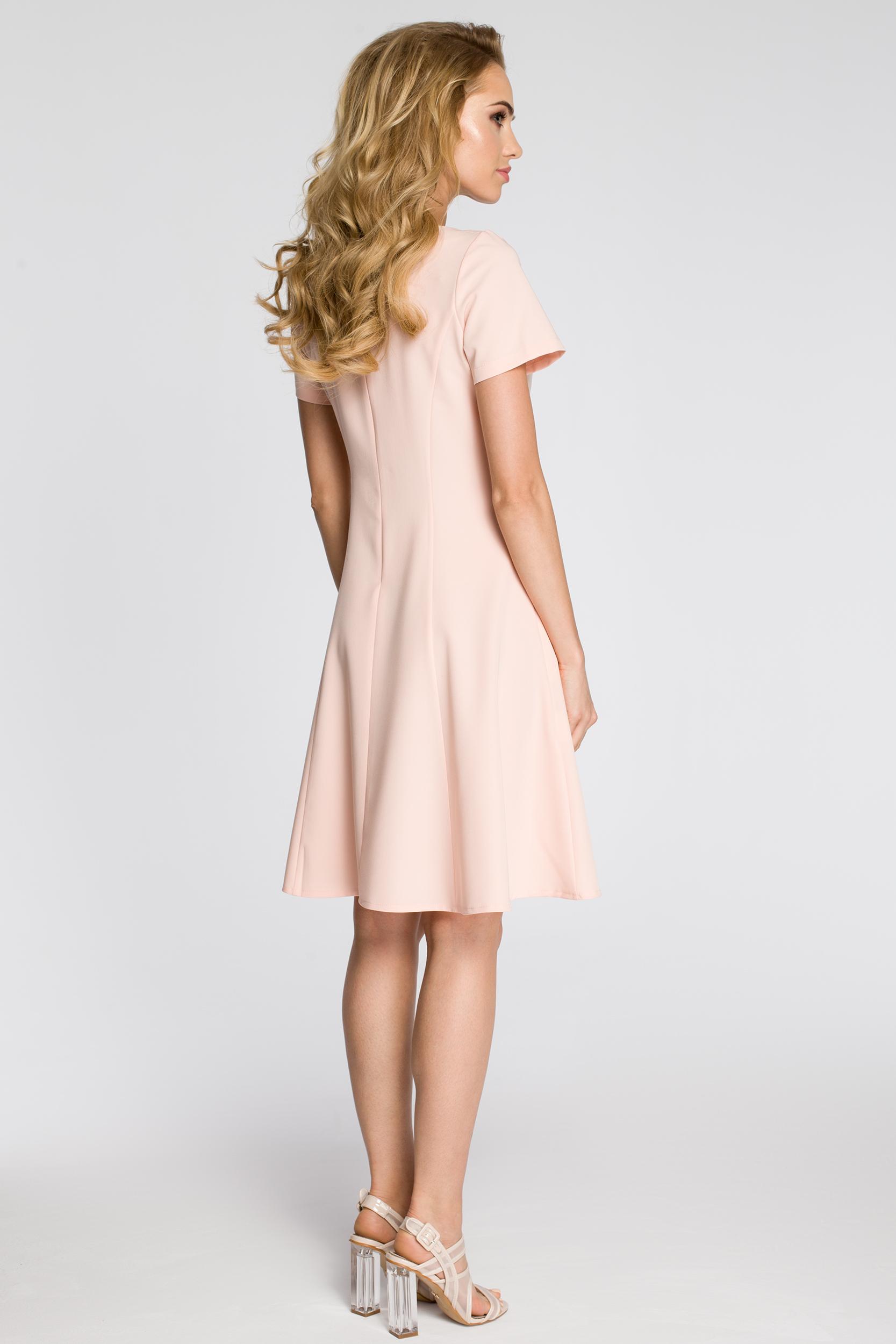 CM2348 Dopasowana sukienka z rozkloszowanym dołem - pudrowa