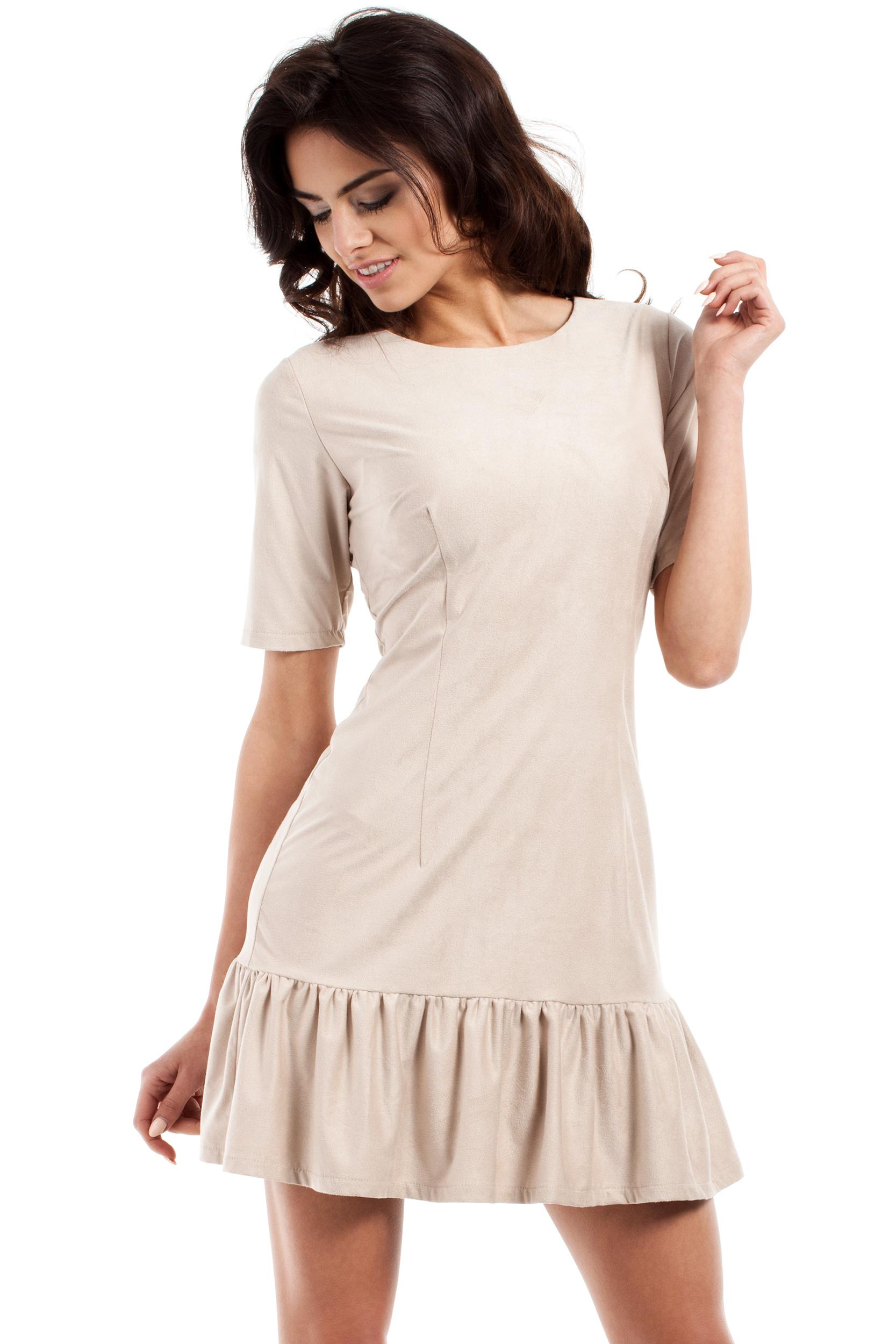 CM2224 Stylowa sukienka mini z falbanką - beżowa