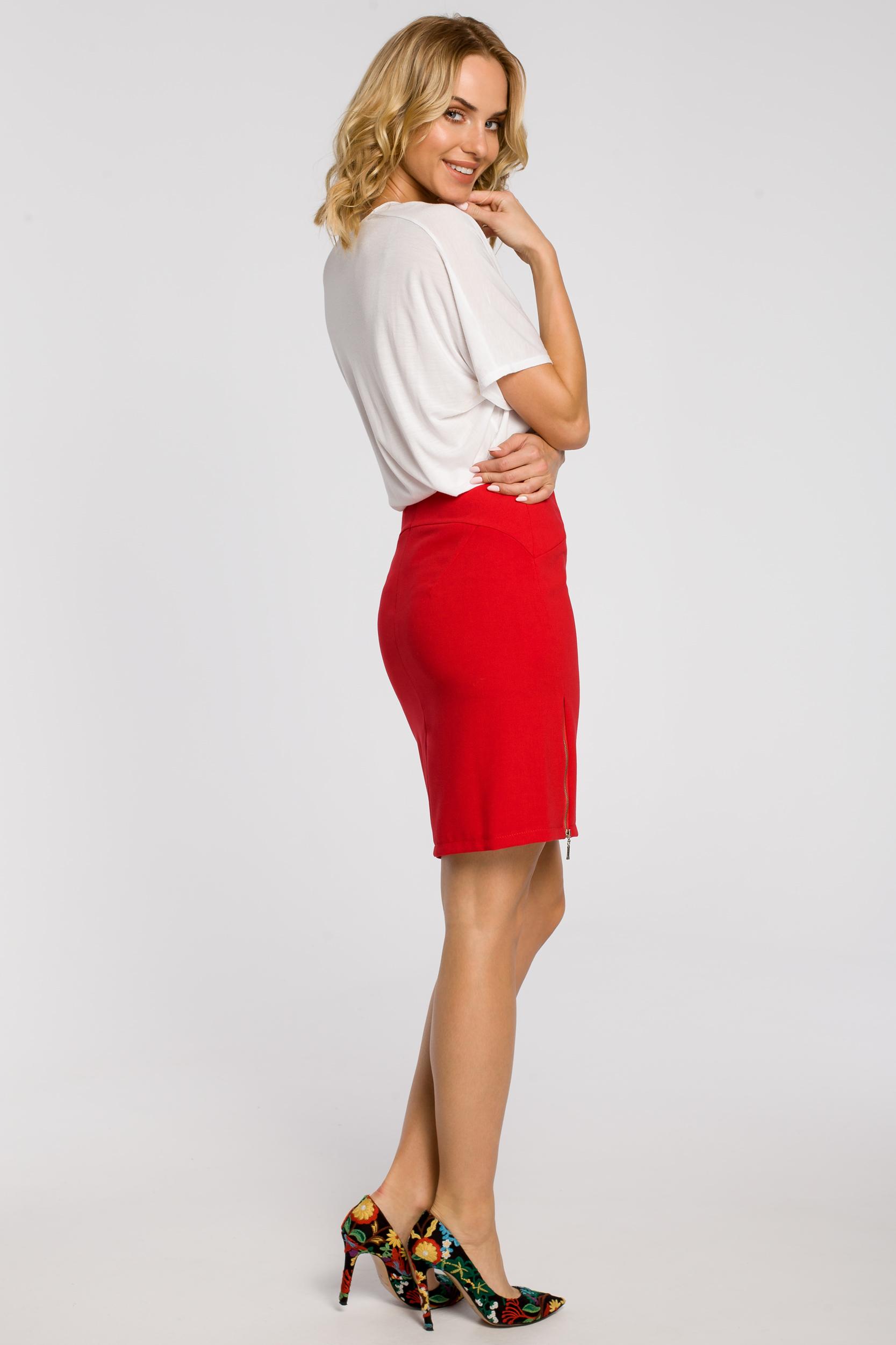 CM1809 Ołówkowa spódniczka z zamkami - czerwona