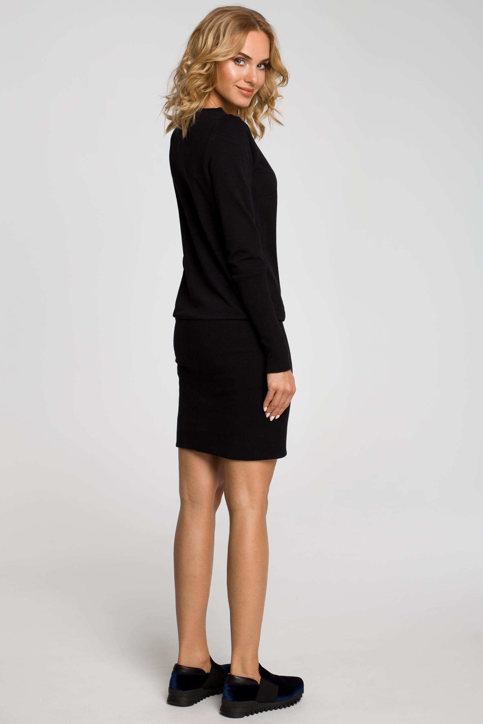 CM1186 Dopasowana tunika damska z dzianiny dresowej - czarna